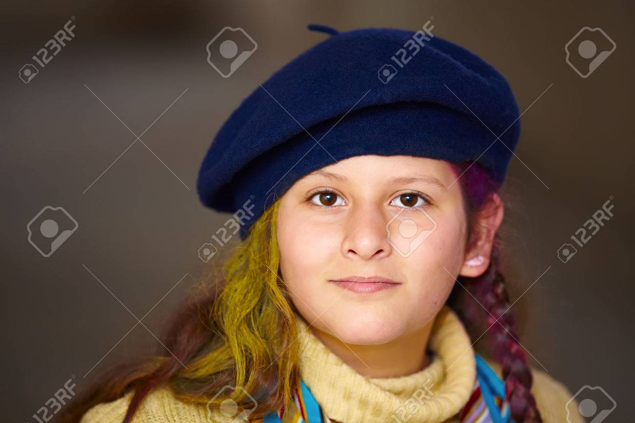 ed2af86237a portrait of little girl wearing a beret hat Stock Photo - 37339530