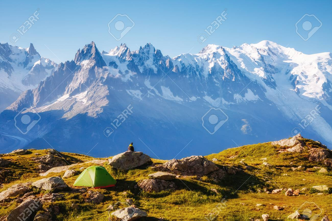 Views of the Mont Blanc glacier with Lac Blanc (White Lake). Popular tourist attraction. Picturesque and gorgeous scene. Location place Nature Reserve Aiguilles Rouges, Graian Alps, France, Europe. - 96582944