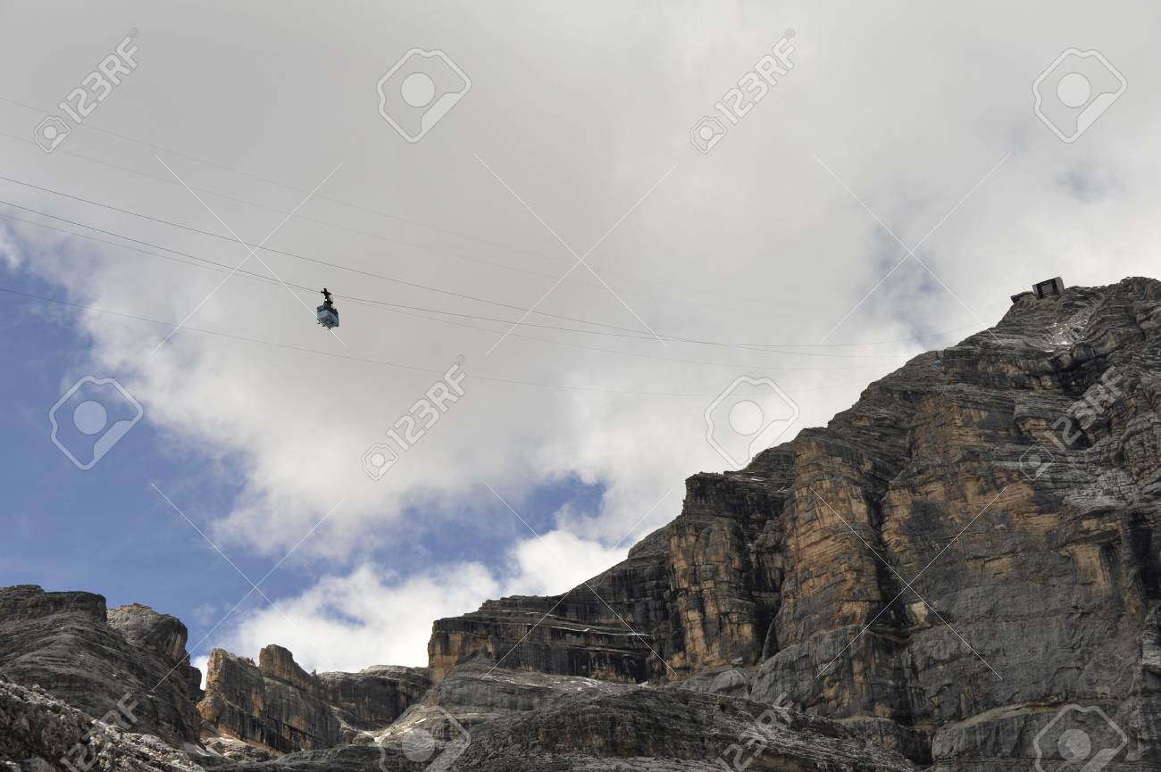 Cable car in Dolomite Mountains, Italy. Stock Photo - 10957400