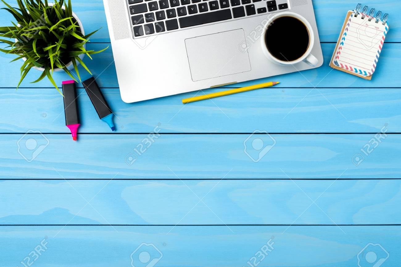 Buro Desktop Mit Modernem Laptop Business Hintergrund Lizenzfreie