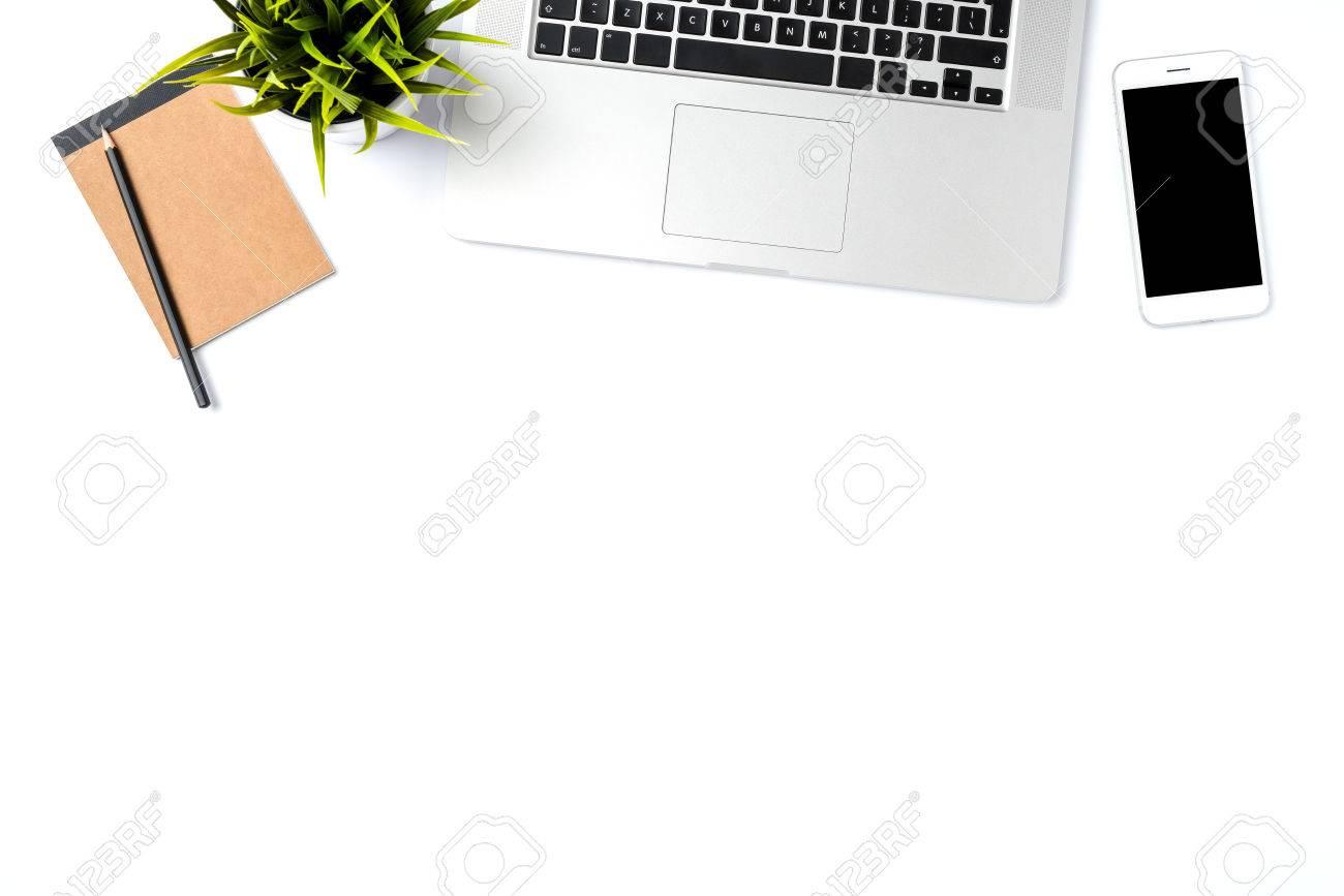Buro Desktop Mit Modernen Laptop Auf Weissem Hintergrund Draufsicht
