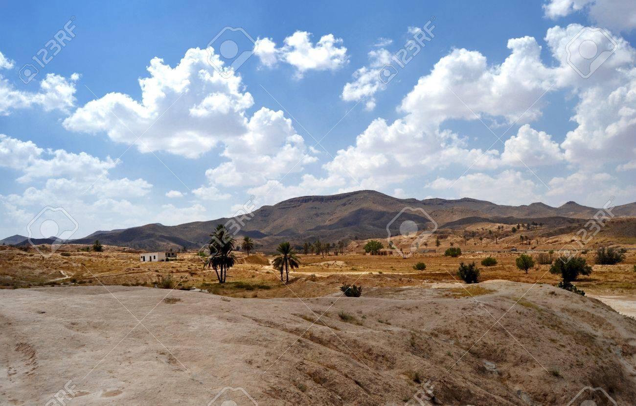 Panorama of the desert village of Matmata - Tunisia, Africa Stock Photo - 17361358