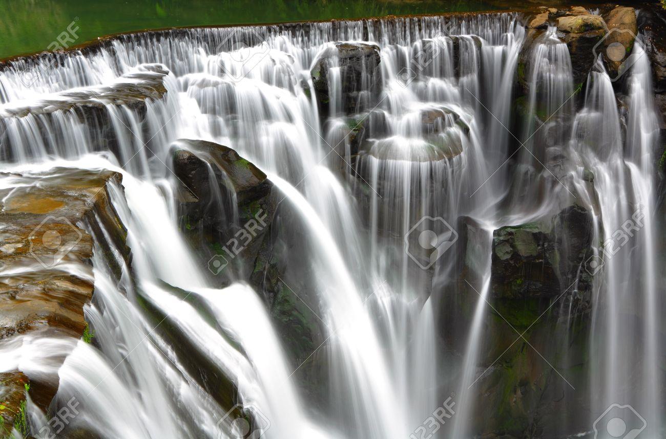 Great waterfall Stock Photo - 9410638