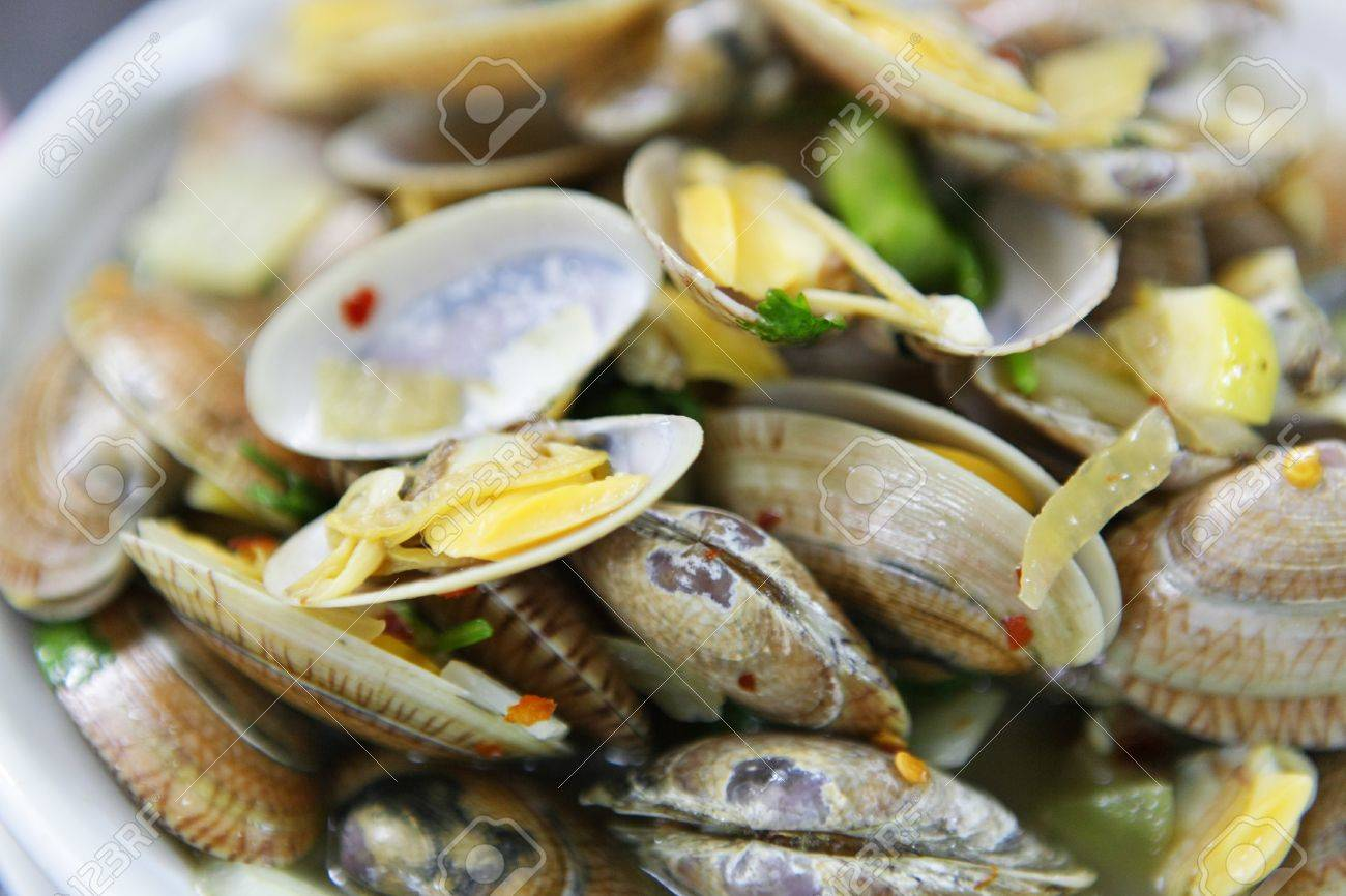 fired clams in chinese style Stock Photo - 10118275