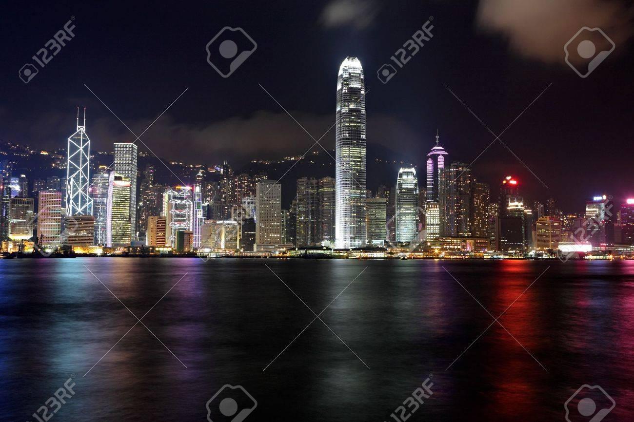 Hong Kong skyline at night - 11712151