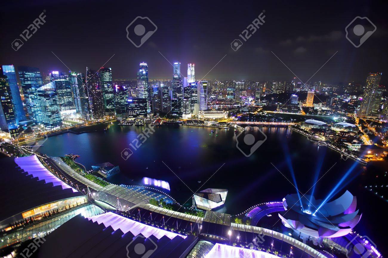 Singapore by night Stock Photo - 13522386