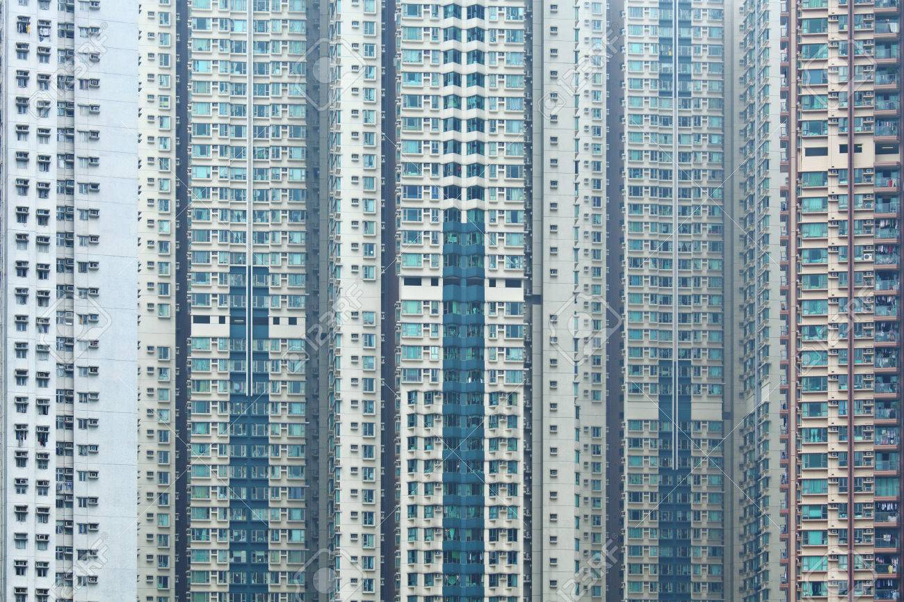 Overpopulated building in city Stock Photo - 22270844