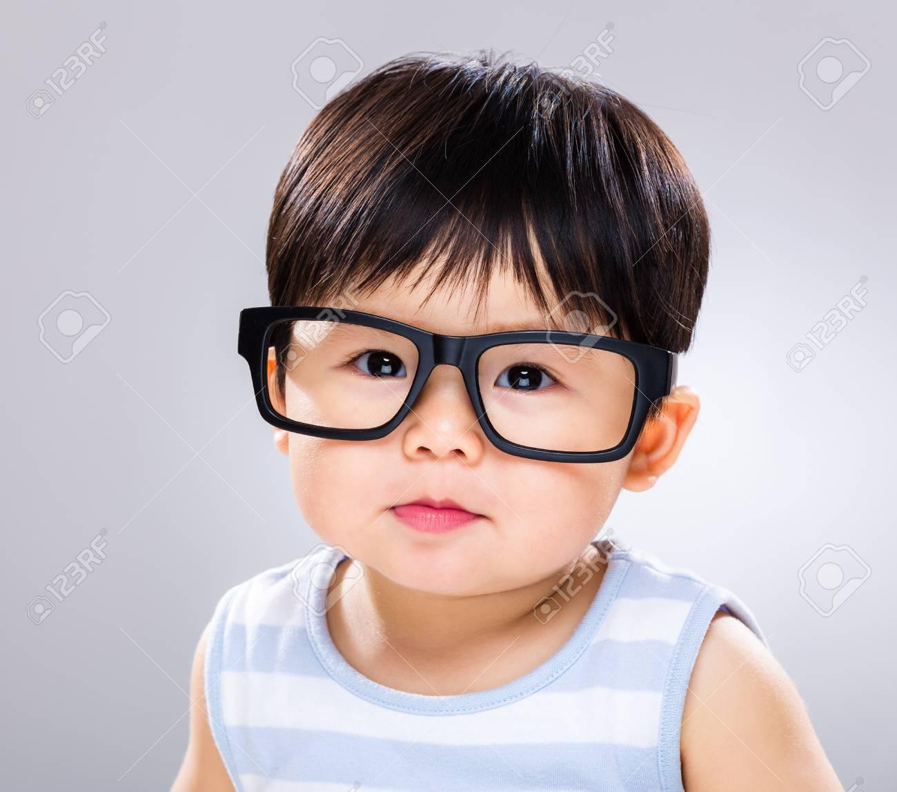 80aece0906 Usa Anteojos Para Bebés Fotos, Retratos, Imágenes Y Fotografía De ...