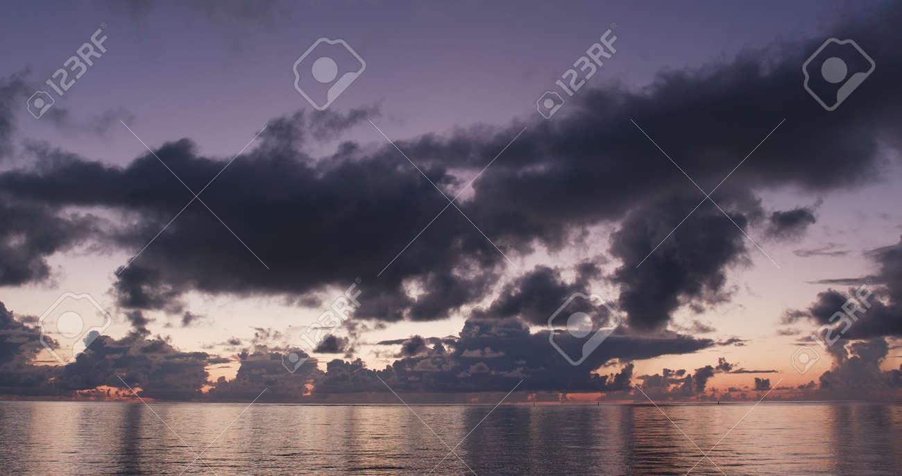 Sunrise skyline and sea - 122213599