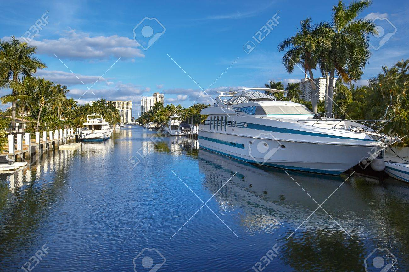 Luxurious yacht and waterfront homes in Fort Lauderdale, Florida - 47839129