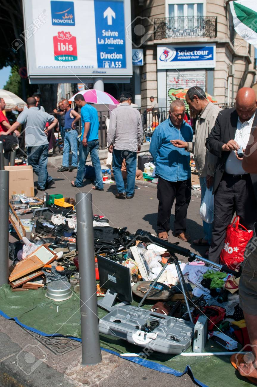 MARSEILLE, FRANCE - MAY 22, 2011: Flea market in Marseille on May 22, 2011, France Stock Photo - 9707724