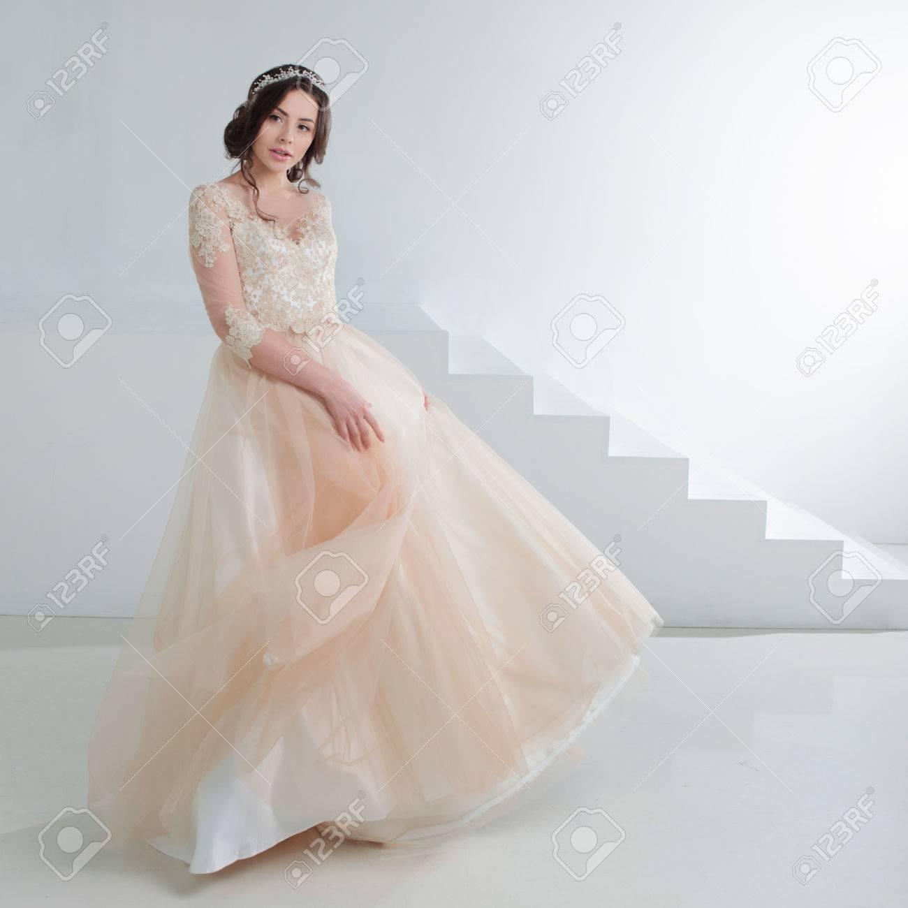 Nett Spitze Brautjunferkleider Davids Braut Ideen - Brautkleider ...