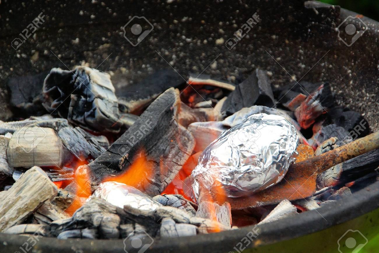 barbecue potato 01 Stock Photo - 5298666