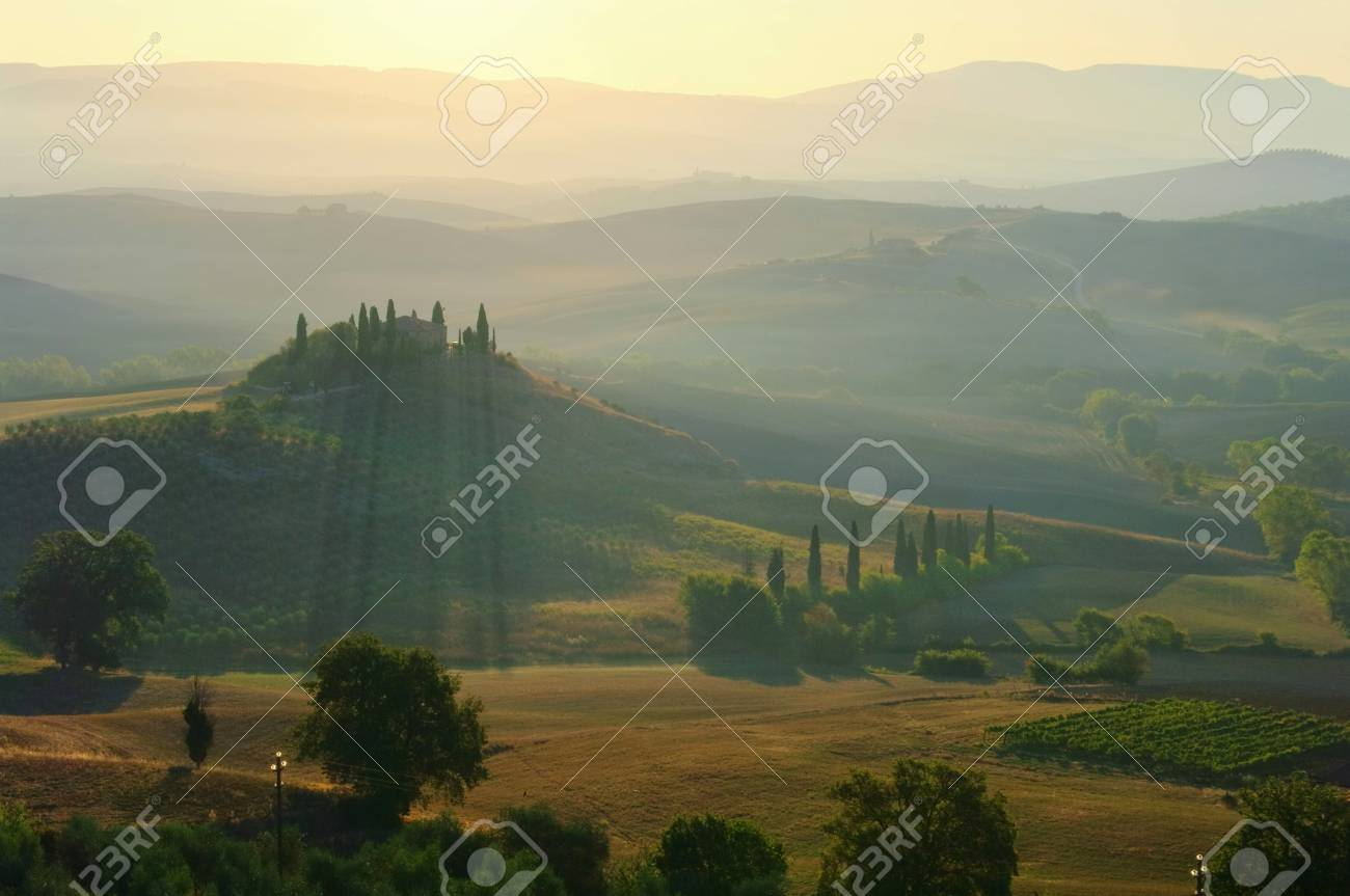 Podere in fall Stock Photo - 12070649