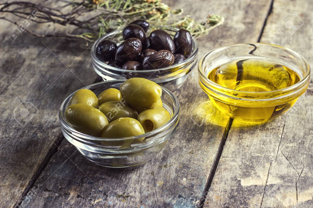 black and green olives on table Stock Photo - 18704478