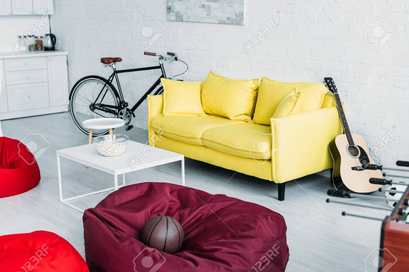 Strange Spacious Furnished Living Room With Beanbag Chairs Sofa And Inzonedesignstudio Interior Chair Design Inzonedesignstudiocom