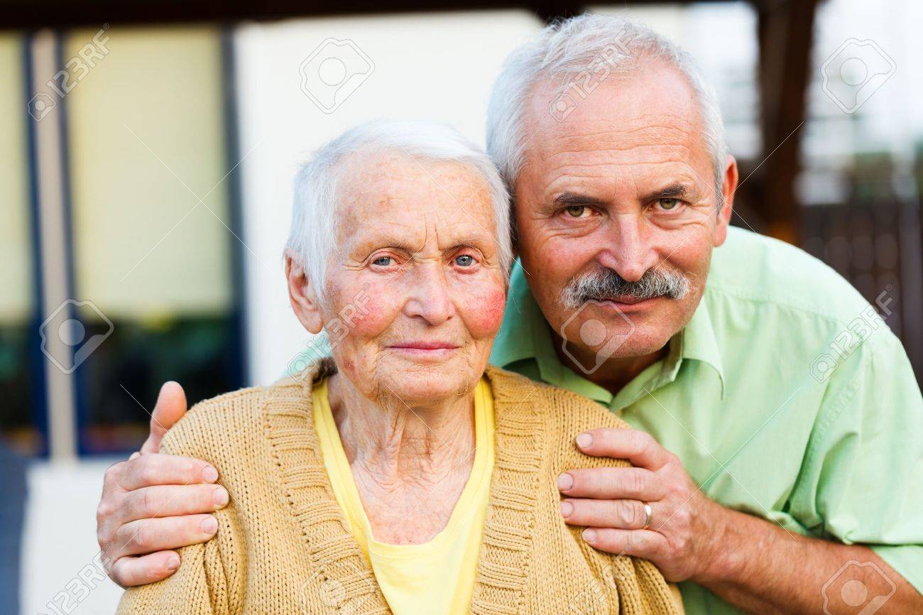 Loving son with senior mother in a nursing home. Stock Photo - 21829783