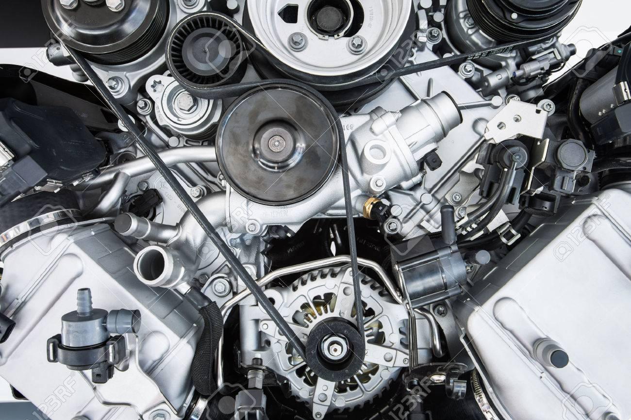 Car Engine - Modern powerful car engine(motor unit - clean and shiny Standard-Bild - 41786777