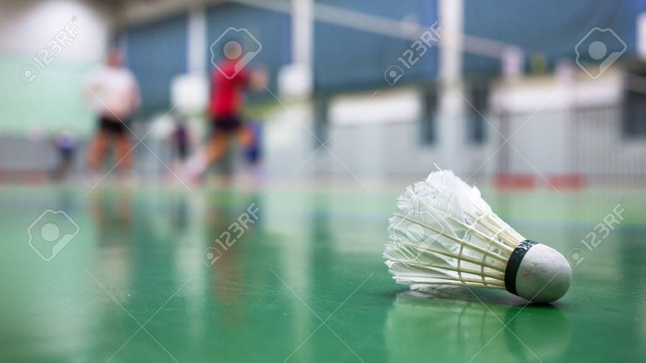 terrains de badminton avec joueurs en compétition - Badminton Banque d'images - 41786841