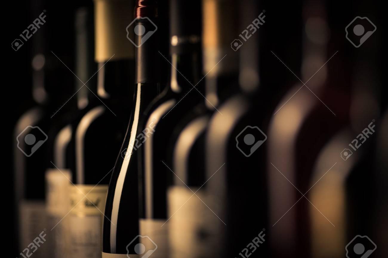 bottles of wine Standard-Bild - 48607123