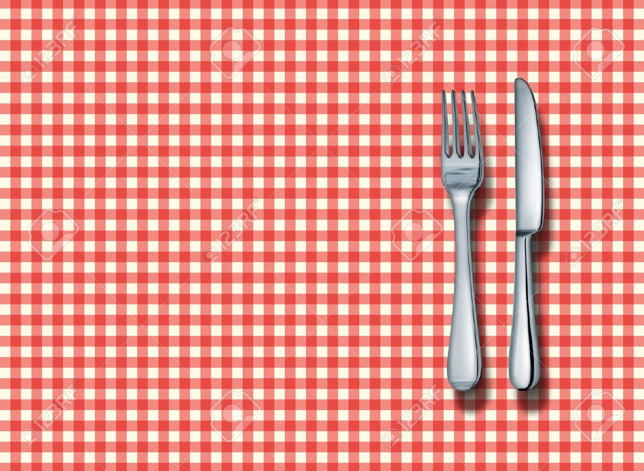 Superieur Family Restaurant Place Setting With A Classic Red And White Checkered  Table Cloth With A Silver