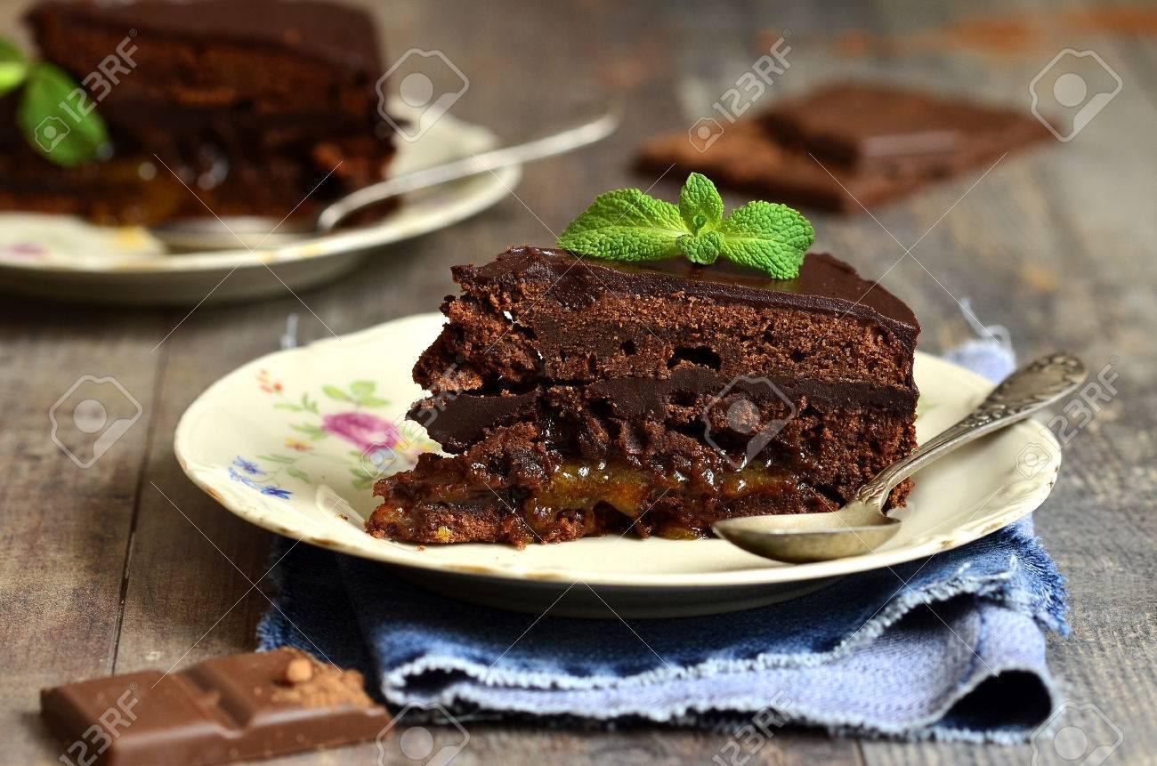Piece of chocolate cake - 35870276