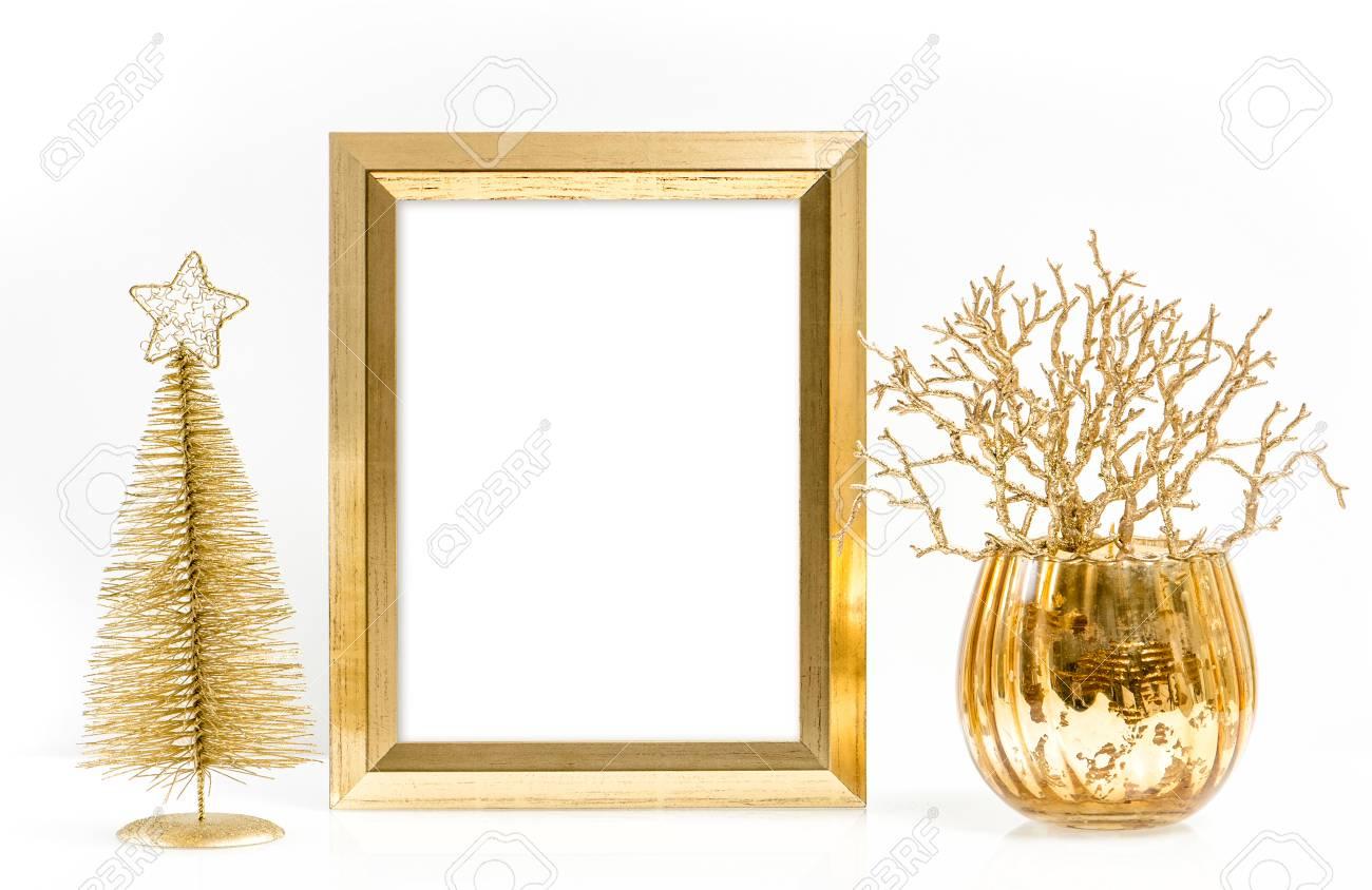 Marco De Oro Y Brillantes Adornos De Navidad. Decoración Festiva ...