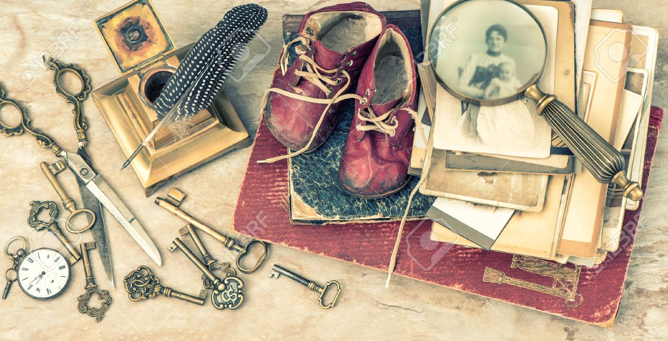 Vintage style photography  Antique Books And Photos, Keys And Writing Accessories. Nostalgic ...