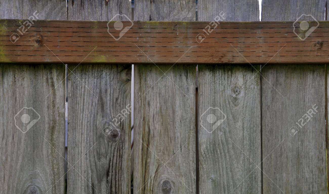 Alten Zaun Rund Um Das Haus Um Die Eigenschaft Zu Schutzen