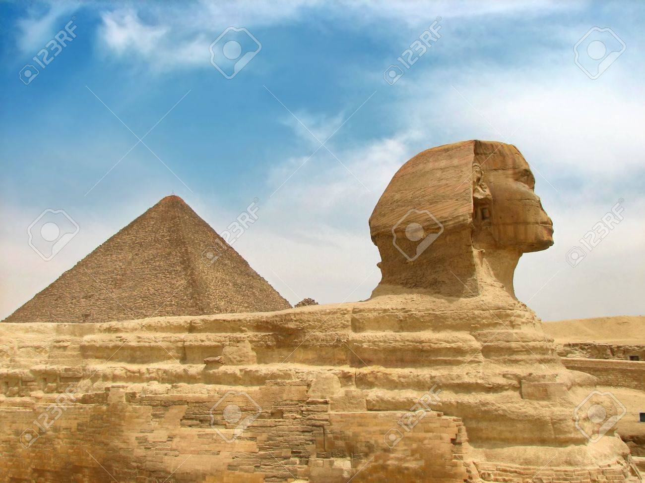 great egyptian sphinx and pyramid Stock Photo - 3525809