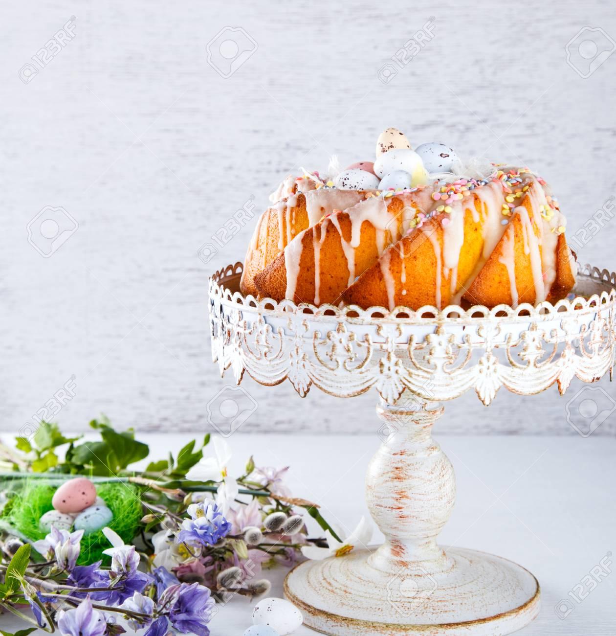 Kuchen Dekoration Farbige Glasur Ostern Feiertag Bildend Selektiver
