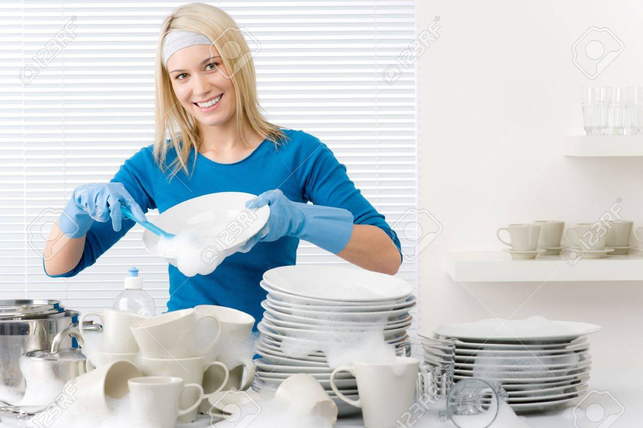Хозяйка и уборщица 14 фотография