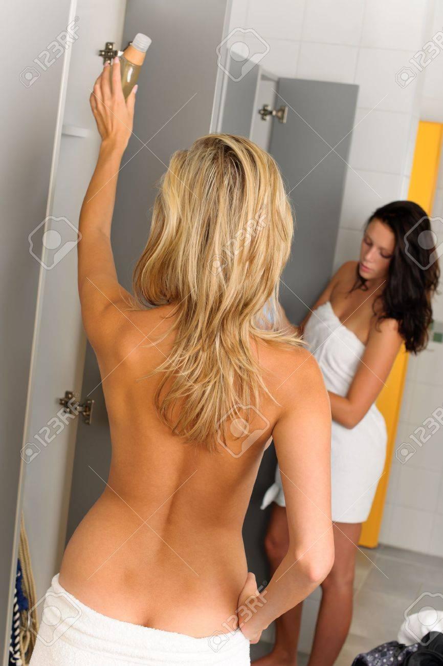 Mädchen Umkleideraum Dusche