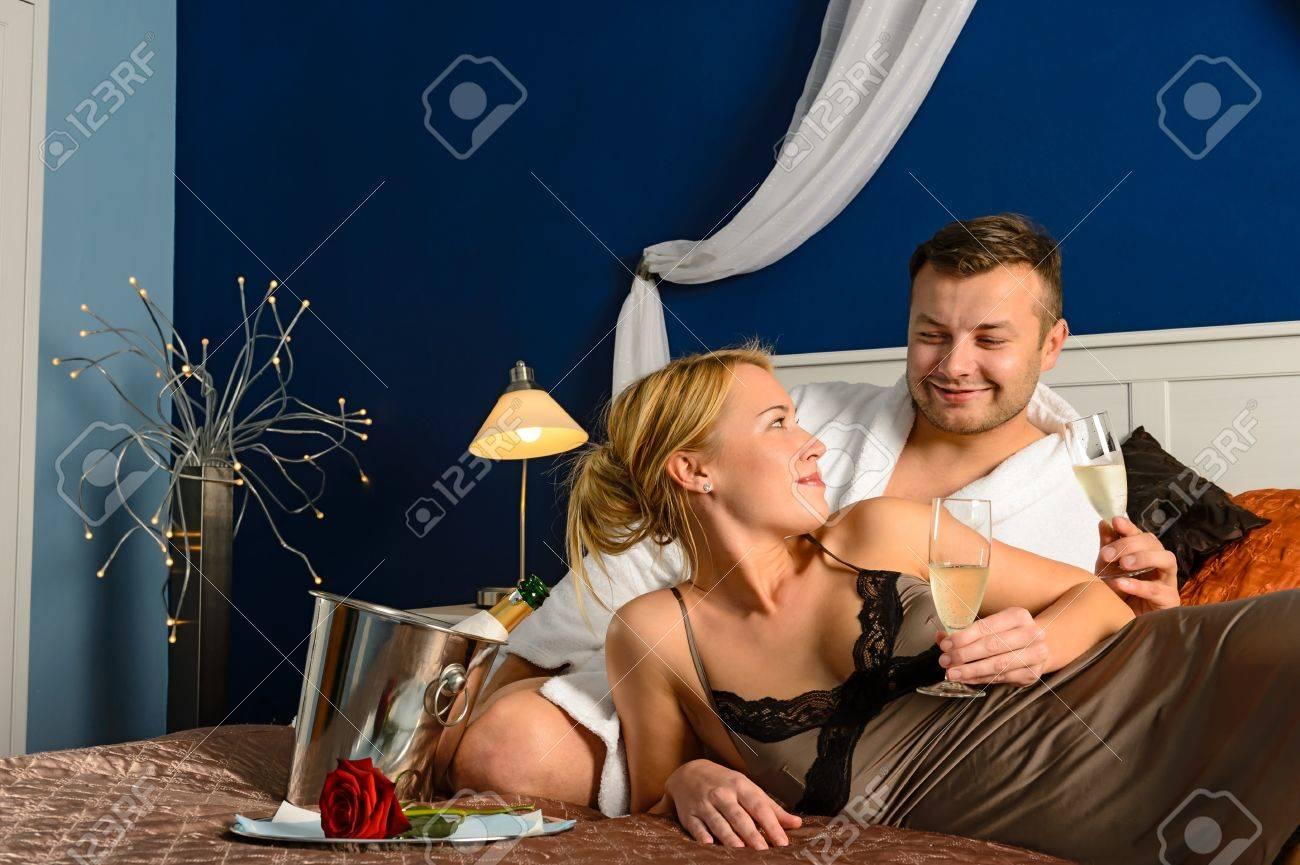 Loving couple romantic Valentine Stock Photo - 17887253 a815bb0dd
