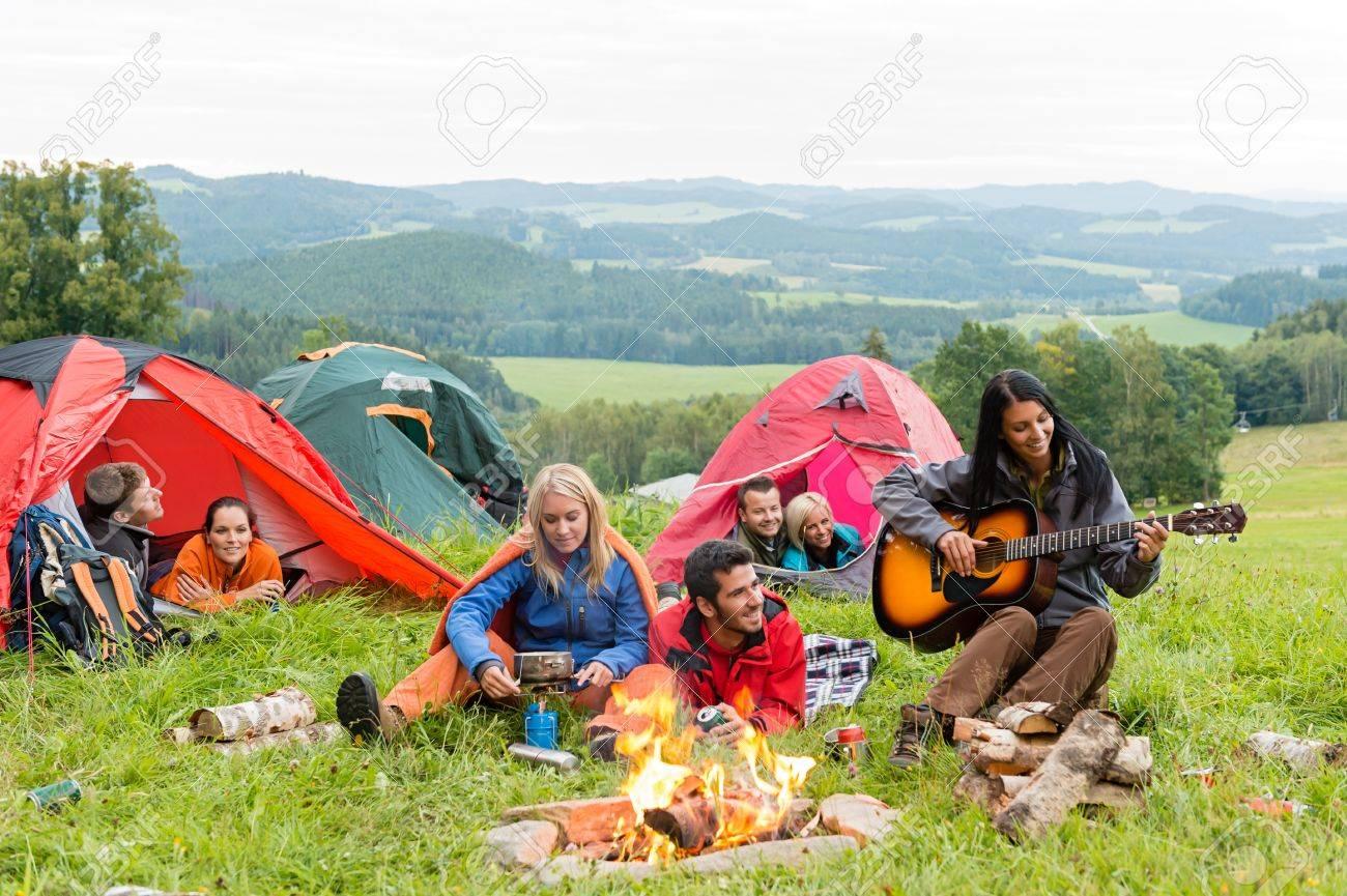 Студенты в палатке 4 фотография