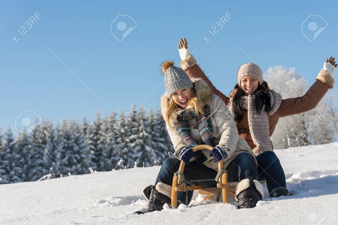 Resultado de imagen para amigas en la nieve