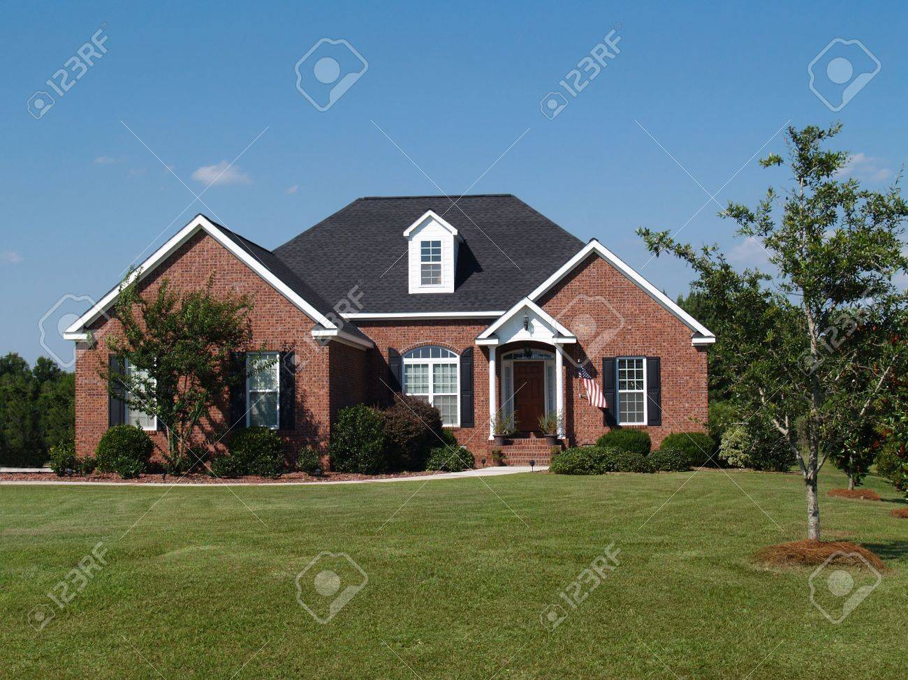One story new red brick residential home. Stock Photo - 5580910