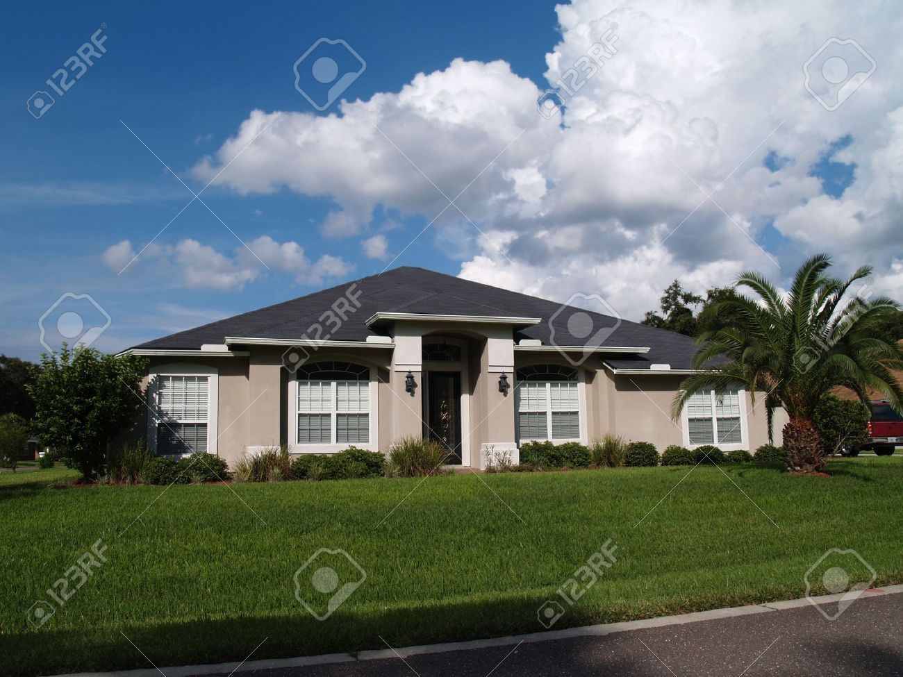 One story Florida home with a stucco facade. Stock Photo - 5580804
