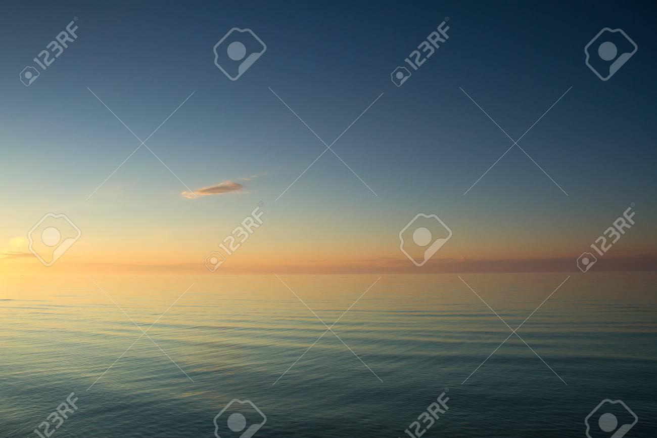 Tramonto Sul Mare Varietà Di Colori E Sfumature Del Sole Che Sorge