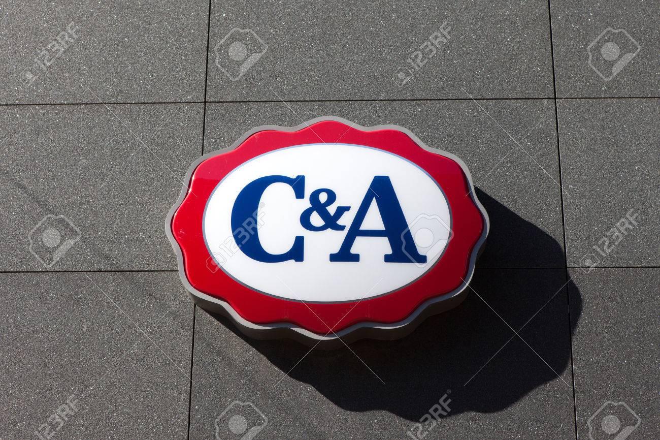 bambino Prezzo di fabbrica 2019 ricco e magnifico C & A logo. C & A è una catena olandese di negozi di abbigliamento di moda  al dettaglio, con le sue sedi europee a Vilvoorde, Belgio.
