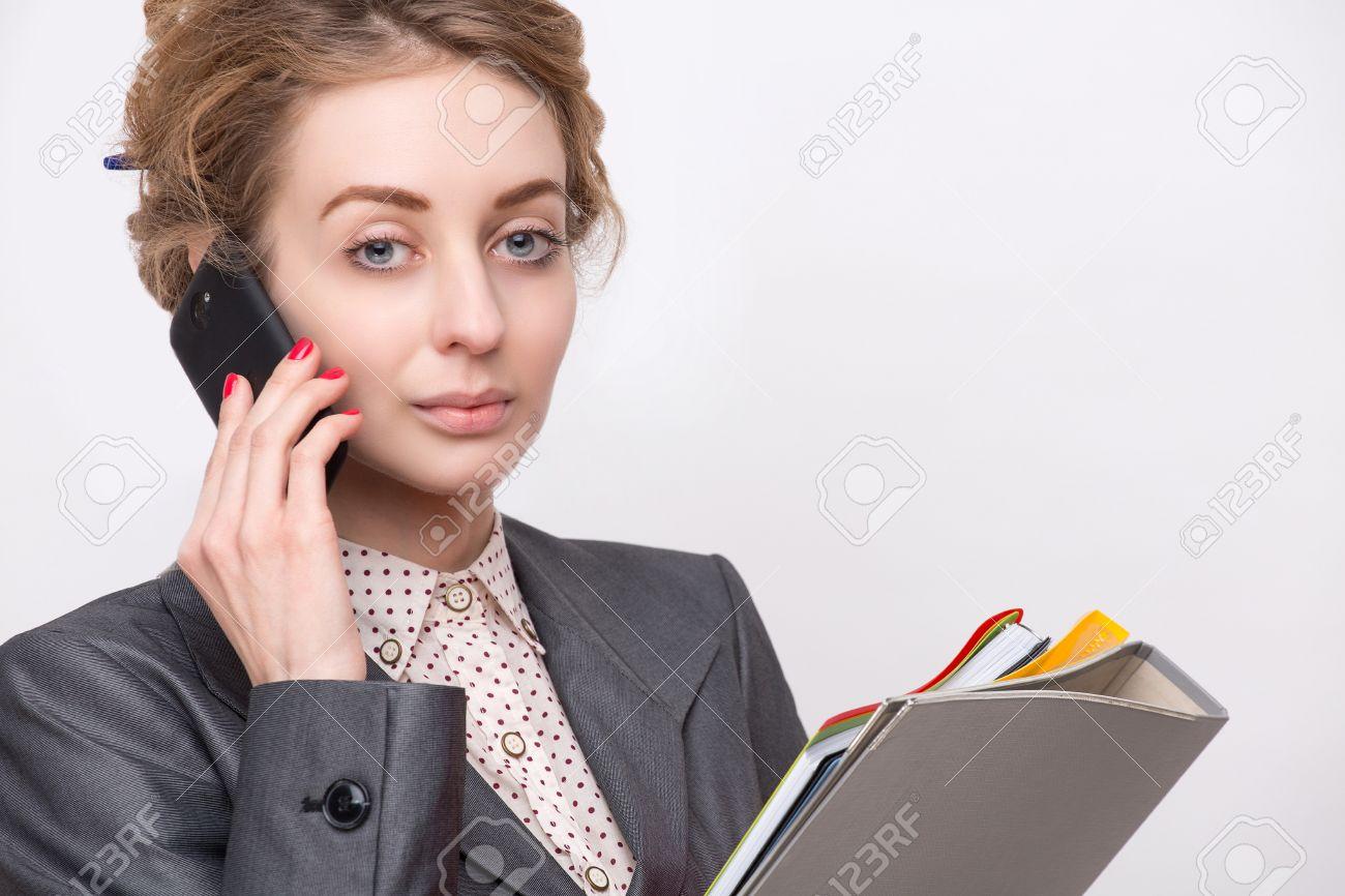 documentos Retrato serio negocio gris vestida dama archivo Foto traje joven companys con de de llevar de los discutir la difícil situación Mujer ESx1n0q