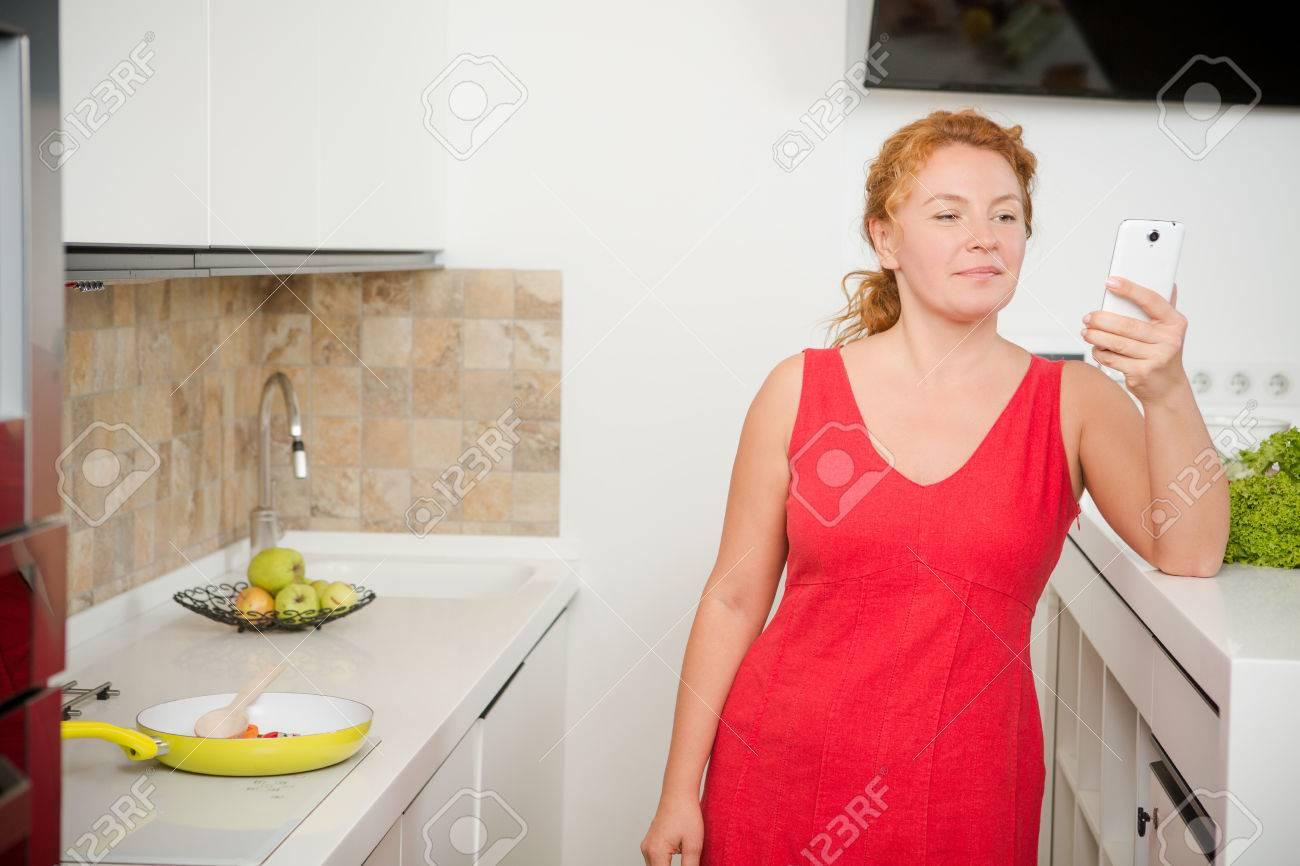 Resultado de imagen para imagenes ama de casa pelirroja