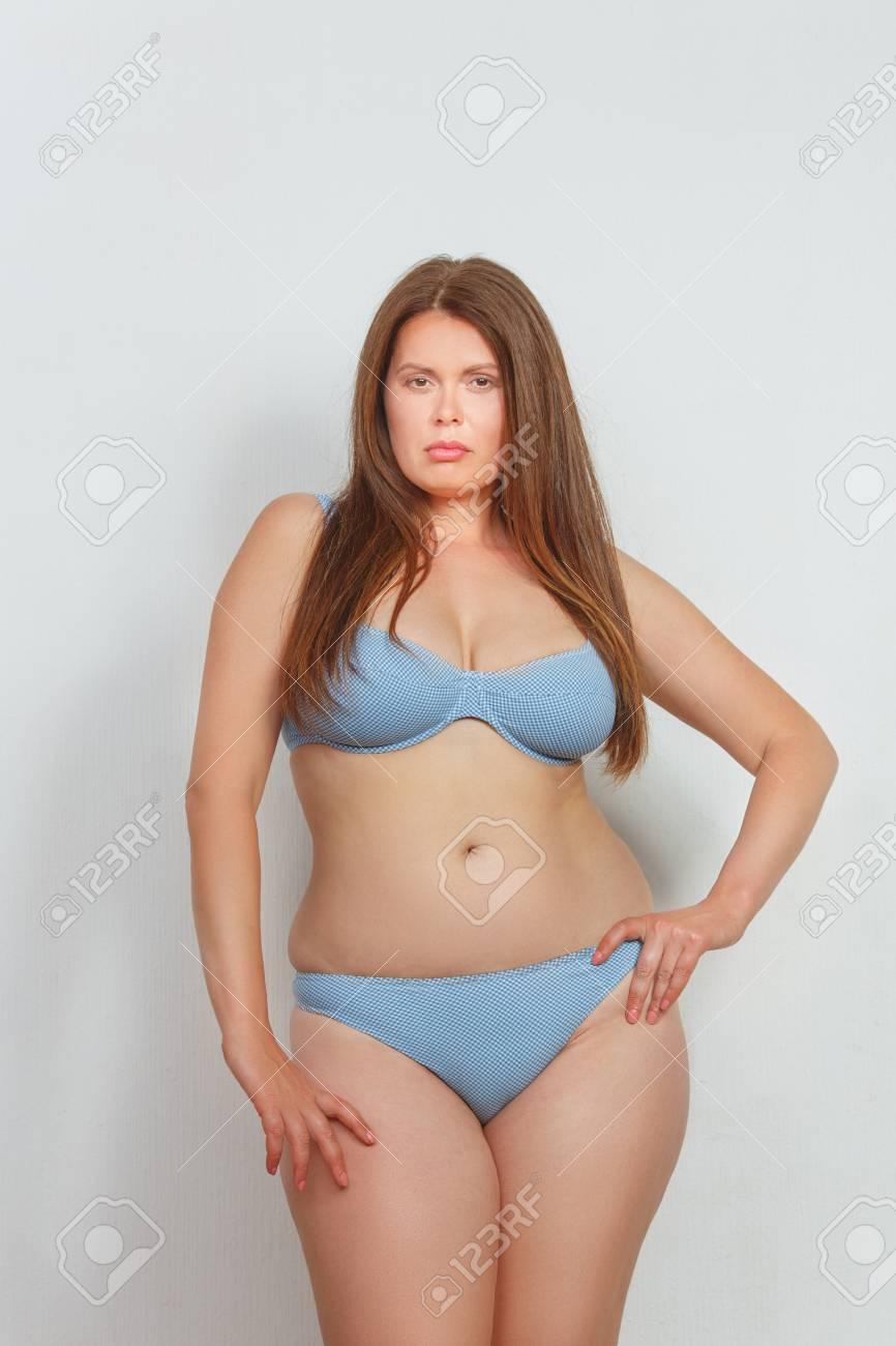 Hot nude bikini girls