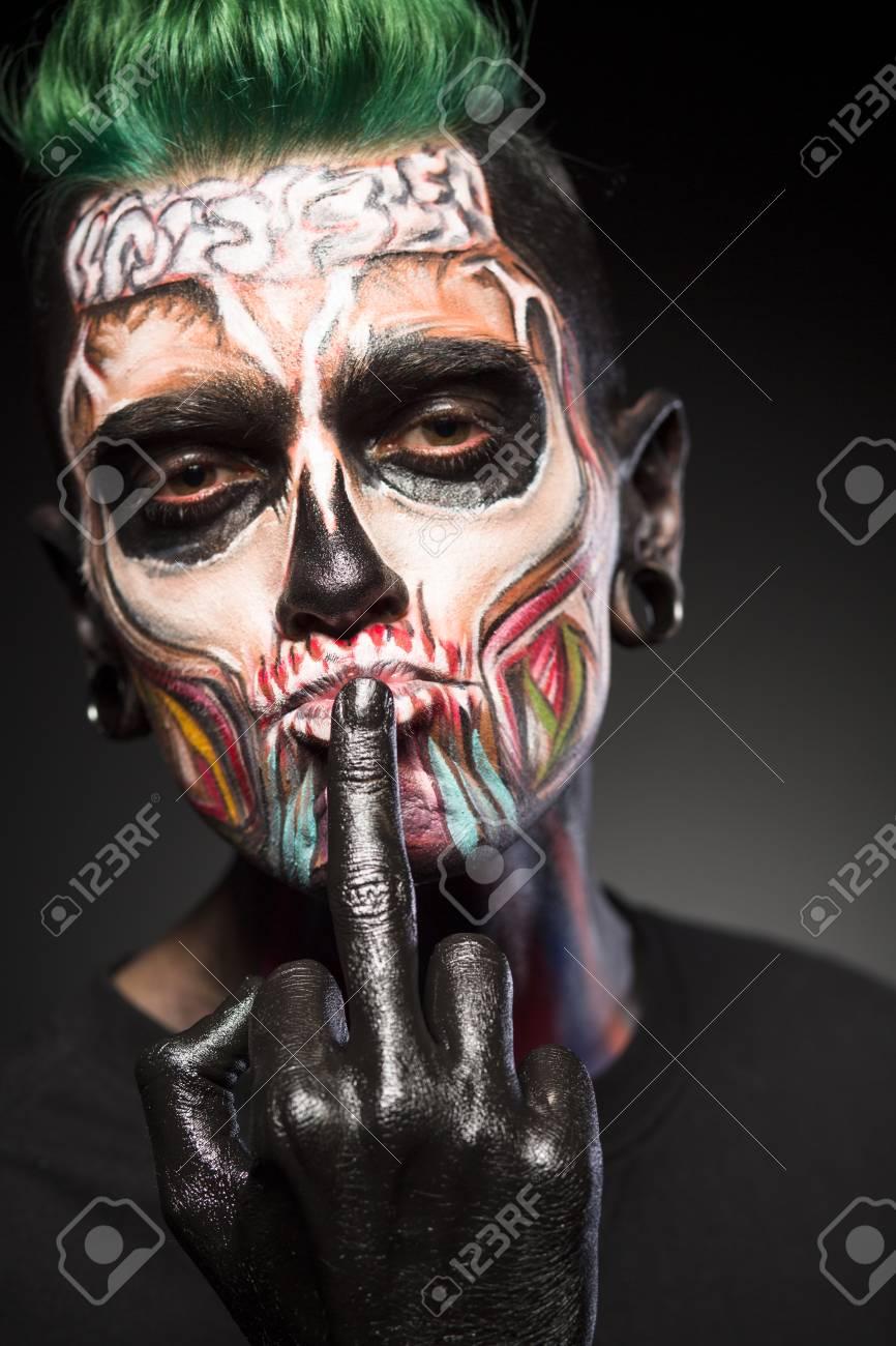 Crâne Art Visage Maquillage Mystique Sur Le Visage De Lhomme