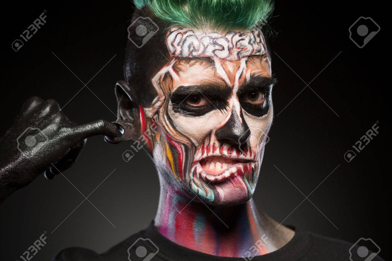 Arte De La Cara Del Craneo Retrato Del Hombre Con Maquillaje - Maquillaje-zombie-hombre