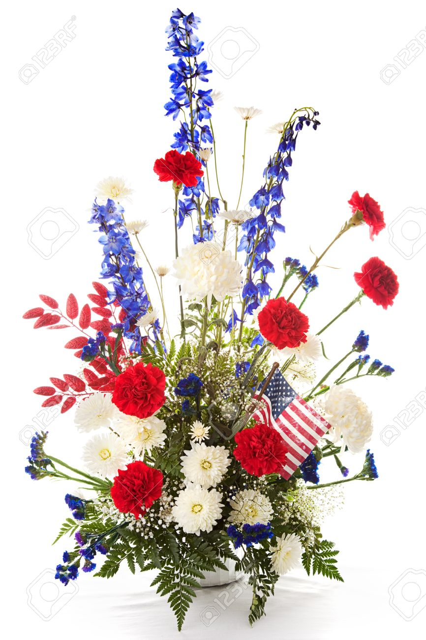 Arreglo De Flores En Rojo Blanco Y Azul Para Celebrar América Aislado En Blanco