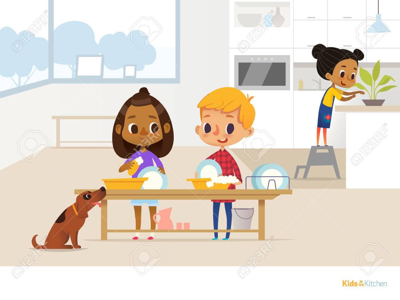 Sonriendo A Los Niños Haciendo La Rutina Diaria En La Cocina. Dos ...