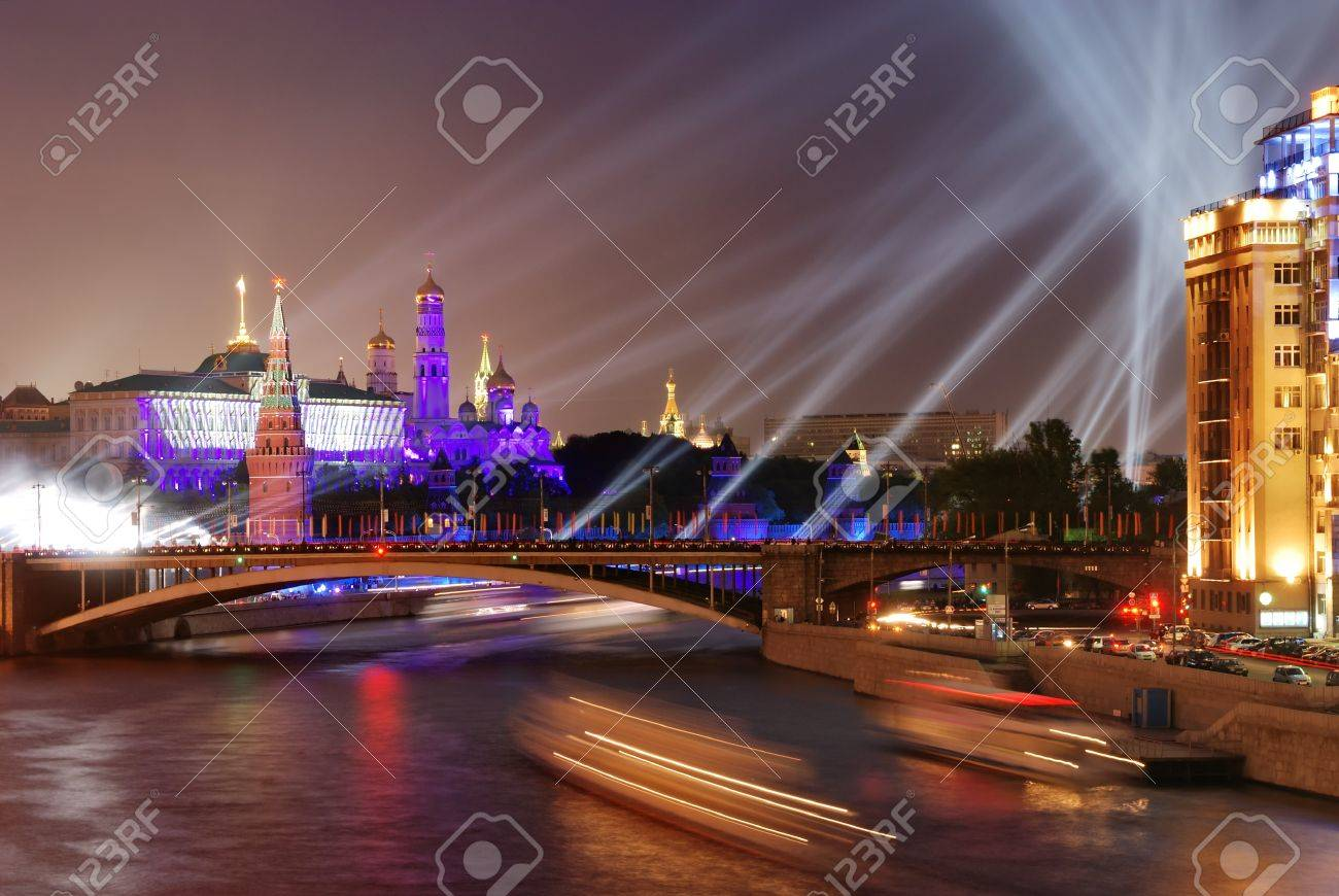 Firework near Moscow Kremlin at Victory Day  9th May Stock Photo - 13059111