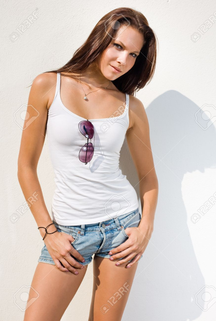 Hot brunette pictures