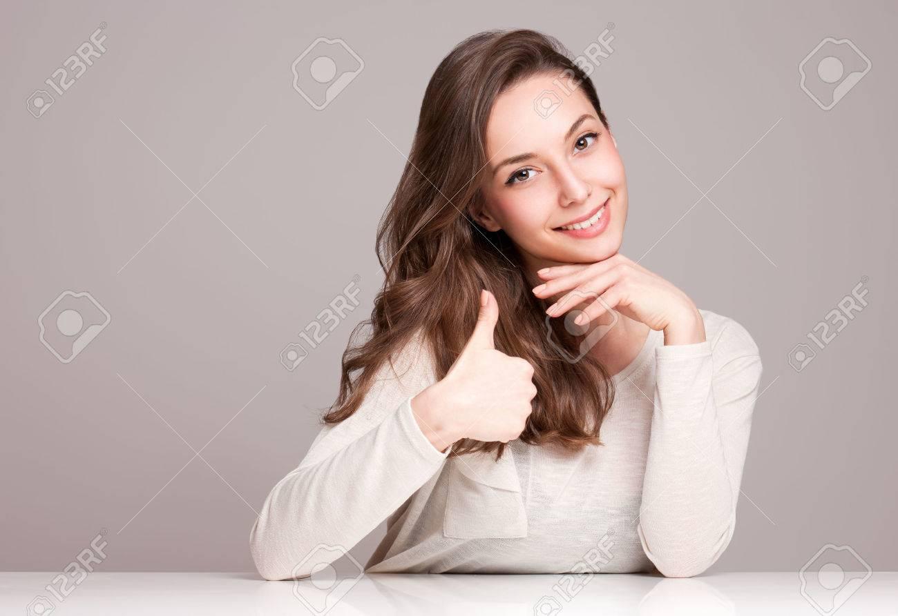 Expressive portrait of gorgeous young brunette woman. - 38332571